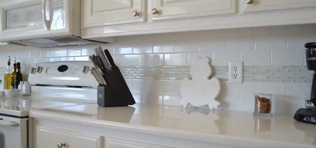 Beautiful details with a new backsplash and countertop